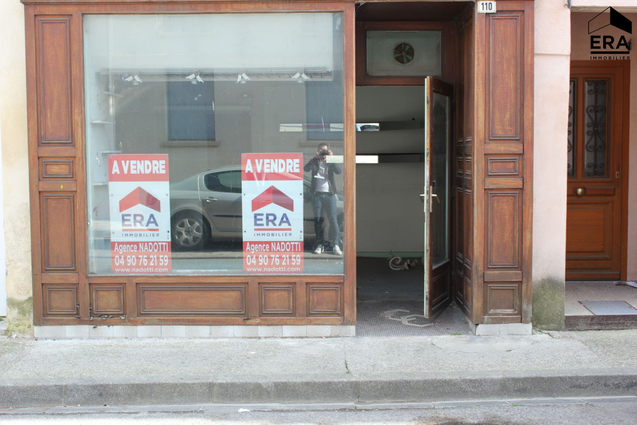 A vendre local commercial au centre ville de Cavaillon de 27m²